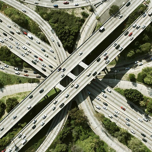 آزادراه، بزرگراه و راه اصلی
